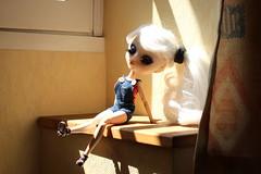 Lune, Pullip Luna Rosa Custom. (>La cape d'invisiblite~) Tags: custo custom limited colector eyeships eyes wig obitsu cute kawaii pullip doll poupe de vinyle extrieur manga style picture photography luna rosa sae dolls