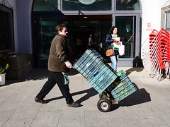 P1280160 (CarluzFoto) Tags: 20mm 2016 color gx7 lumix market mercado mercadovilagarcia people peopleonthestreets streetphoto streetphotography trolley vilagarcia
