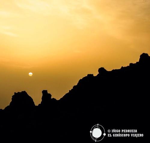 El tamaño real de un sol en las fotos. Recordando el Teide, Tenerife y las Islas Canarias. The real size of the sun in pictures. Remembering Teide Volcan, Tenerife and Canary Islands. La vraie taille du soleil dans les photos. Souvenirs du Teide, de Tener