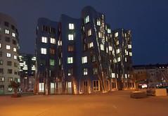 Dsseldorf - Neuer Zollhof (Gehry-Bauten) (CocoChantre) Tags: dsseldorf gehry nachtaufnahme neuerzollhof nordrheinwestfalen deutschland de