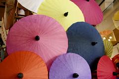 umbrellas (desomnis) Tags: colors umbrella canon thailand eos 350d colorful colours chiangmai colourful umbrellas canoneos350d eos350d bosang borsang sankamphaeng desomnis