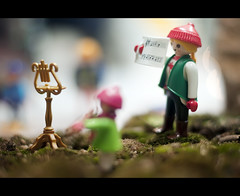 Tiny Christmas (rromer) Tags: christmas people toys navidad f14 playmobil streetshot clics afsnikkor50mmf14g