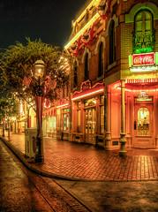 "Refreshment Corner - Main Street - Disneyland • <a style=""font-size:0.8em;"" href=""http://www.flickr.com/photos/85864407@N08/8302856072/"" target=""_blank"">View on Flickr</a>"
