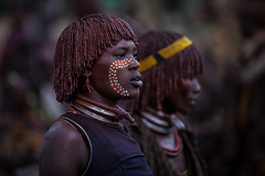 hamer tribe paint their faces during the ceremony bull jumpin (anthony pappone photography) Tags: africa travel girl face cow jumping paint hand expression retrato african painted ceremony mani bull clay tribes afrika omovalley ethiopia tribe tori ethnic rite mucca ritratto hamer reportage afrique tradicion tribu omo rito facepainted etiopia etnic dipinto etnico ethiopie ocra etiope etnia argilla etnica etnologia afryka hamergirl etiopija turni etiopien etiópia africantribe etiopi bulljumping ocherclay