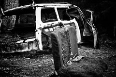 RYD // a lonely chair (D40oom) Tags: old abandoned broken car blackwhite sweden schwarzweiss kaputt schrott ryd wrek