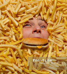 Drowning in junk food (Fon-tina) Tags: italy horizontal closeup 30 donna holding adult eating fastfood frenchfries chips indoors hamburger years studioshot fotografia fullframe 34 bun adultsonly greed deepfried youngwomen bassanodelgrappa largegroupofobjects onewomanonly takeawayfood foodanddrinkindustry oneyoungwomanonly colourimage patatinefritte colouredbackground onlywomen unhealthyeating grandegruppodioggetti preparedpotato cibiebevande ambientazioneinterna 3034anni composizioneorizzontale immagineacolori ricettedipatate alimentazionenonsalutare cibodaasporto frittoinpadella