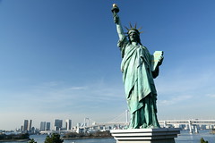 the Statue of Liberty in Odaiba. (cate) Tags: liberty odaiba stature rainbowbridge  thestatueofliberty