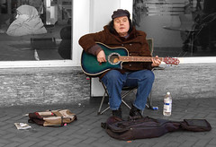 Brum busker (selectively coloured) (Richard+Rachel) Tags: uk greatbritain england birmingham unitedkingdom britain busker westmidlands brum midlands mygearandme