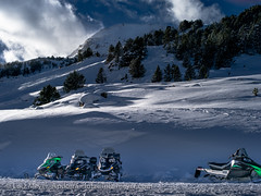 Andorra leisure: Winter at Vall d'Orient (lutzmeyer) Tags: pictures schnee winter sunset snow mountains nature landscape skiing sonnenuntergang photos nieve natur january natura paisaje images berge skiresort fotos valley leisure arcticcat landschaft freizeit andorra bilder snowmobile pyrenees neu januar montanas pirineos pirineus paisatge pyrenen puestadelsol imatges hivern muntanyes gener grauroig snowscooter skigebiet skistation postadelsol mfmediumformat valldorient canilloparroquia lutzmeyer lutzlutzmeyercom