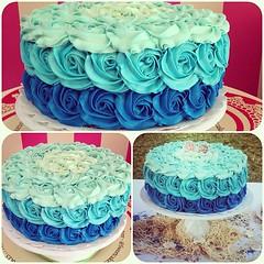 SweetCake, ideal para una linda celebracin !!! Torta para matrimonio civil, felicidades a los novios !!!  Solo en #sweetcakesstore #lecheria #venezuela #cupcakery #bakery #cakes #cupcakes #originalcakes #originalcupcakes #pinkstore #originalstore #yummy (Sweet Cakes Store) Tags: cakes valencia square de cupcakes yummy y venezuela playa tienda cupcake squareformat rosas matrimonio torta bodas tortas lecheria sweetcakes ponques iphoneography instagramapp uploaded:by=instagram sweetcakesstore sweetcakesve