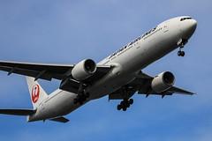 JAPAN AIRLINES | JAL | Boeing777-346 | JA8945 | Tokyo Haneda Airport (akg414p010) Tags: tokyo boeing jl jal haneda hnd japanairlines boeing777 hanedaairport   777300 rjtt ja8945 b773