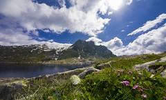 Lago della Vacca (thomas.amicabile) Tags: montagna monti lago paesaggio panorama natura sfondi cielo