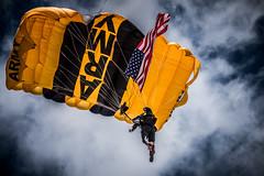 DSC_7894 (CEGPhotography) Tags: nikon cegphotography atlanticcity newjersey nj ac atlanticcityairshow 2016 thunderovertheboardwalk aviation flight sky usarmygoldenknights goldenknights parachutedemotemo parachute