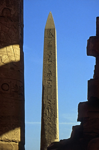 "Ägypten 1999 (332) Karnak-Tempel: Obelisk der Hatschepsut • <a style=""font-size:0.8em;"" href=""http://www.flickr.com/photos/69570948@N04/29027953642/"" target=""_blank"">View on Flickr</a>"