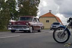 Snygg Cheva Bel Air #01 (George The Photographer) Tags: turinge sdermanland sweden mlarenrunt lnsvg e3 gamlae3 folkfest byggnad fordon vg classic motorcykel mc veteranbil uppvisning chevrolet belair rd metallic fattigstugan se