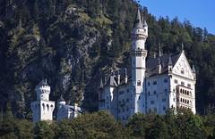 Schloss Neuschwanstein (Hugo von Schreck) Tags: outdoor castle schloss hugovonschreck germany bavaria schlossneuschwanstein canoneos5dsr tamron28300mmf3563divcpzda010