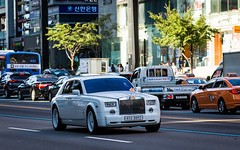 (seua_yai) Tags: car automobile asia korea southkorea korean seoul urban city street wheels korea2015 urbanmobility go koreaseoul2016 rollsroyce