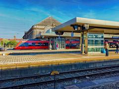 Nuernberg railway station (Thomas Brodowski) Tags: iphone6s bahnhof train railway nuernberg nuremberg