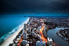 City in gold (Kash Khastoui) Tags: sunset sky gold coast paradise australia level queensland surfers kash q1 khashayar khastoui 77floor