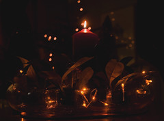 candle, lights and bokeh (Wendy:) Tags: christmas red table lights candle bokeh centre decoration wideangle santalucia stlucy 1740mmf4l tp401 skimmea