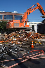 Seattle Construction and Demolition (Cargo Cult) Tags: seattle wood summer usa metal architecture washington apartments technology unitedstates demolition machinery rubbish diggers capitolhill rubble fleapits undre