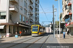 Rua Dr. Carlos Pires Felgueiras (ernstkers) Tags: flexityswift lightrail metrodoporto porto portugal tram tramvia tranvia trolley eléctrico streetcar strasenbahn bonde spårvagn