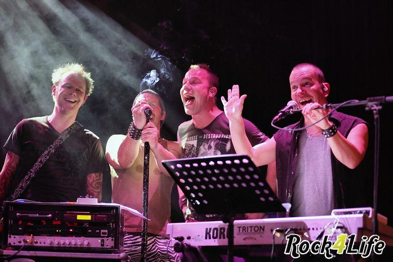 Heroes of Rock  Rock4Life Oudejaarsparty 2012 (26)