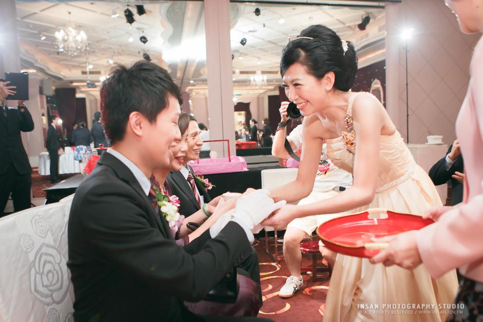 wed20121109_0241