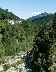 Centovalli (rooibusch) Tags: schweiz centovalli tal valley creek border italia