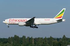 Ethiopian / B772 / ET-APU / EBLG 23R (_Wouter Cooremans) Tags: eblg lgg liege liegeairport spotting spotter avgeek aviation airplanespotting ethiopian b772 etapu 23r b777 b772f