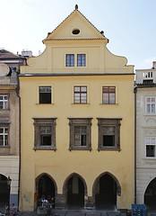 Praha, SM, p. 510 (ladabar) Tags: prague praha prag pragdetail fassade facade fasda dm prel renesance renaissance renesann gotika gotick gothic gotik podloub okno