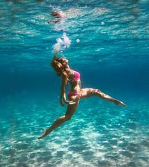 Searching (eDamak) Tags: underwater sea marine model mermaid scuba snorkel bikini menorca mediterranean bubbles ballet blue pink breathe air float legs freediving photography edamak moirafilms
