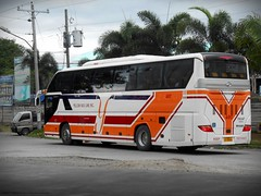 Yellow Bus Line A-017 (Monkey D. Luffy 2) Tags: bus mindanao photography philbes philippine philippines enthusiasts society higer