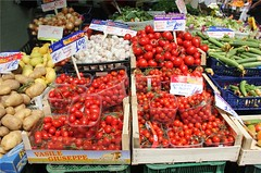 Mercato Trionfale, Rome -  Tomato (Ron Phillips Travel) Tags: italy vatican rome market indoor mercato largest trionfale ronphillipstravel