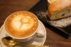 Snowman is on coffee (Teruhide Tomori) Tags: coffee cake japan kyoto   espresso cappuccino latteart coffeeart    ogawacoffee
