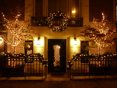 201212069 New York City Upper East Side (taigatrommelchen) Tags: city nyc newyorkcity urban usa ny newyork building night manhattan explore uppereastside 20121249