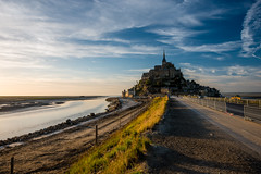 Mont Saint-Michel (dawvon) Tags: world ocean travel sunset sea france castle nature silhouette architecture landscape ed twilight nikon europe shadows zoom snapshot sunny wideangle snaps normandie nikkor normandy  f4 vr afs causeway montstmichel montsaintmichel lenses historicalbuilding zoomlens  f4g 1635mm bassenormandie fmount vibrationreduction vr2 vrii wideanglezoom lowernormandy abbayedumontsaintmichel abbeyofmontsaintmichel nanocrystalcoat afsnikkor1635mmf4gedvr 1635mmf4gvr