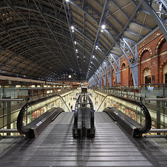St. Pancras International (david.bank (www.david-bank.com)) Tags: uk england london station architecture canon square europe stitch eurostar interior transport large shift railway international gateway tilt stpancras tse 17mm davidbank