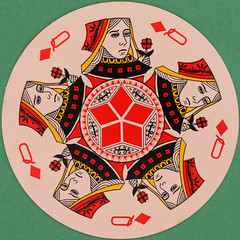 Quantas Round Playing Card Queen of Diamonds (Leo Reynolds) Tags: playing game canon eos iso100 deck card squaredcircle 60mm f80 playingcard carddeck 40d hpexif 001sec 066ev xleol30x sqset088