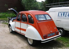 Citroën 2CV Spot 1976 (Wouter Bregman) Tags: auto old classic netherlands car vintage french rotterdam automobile nederland citroën spot voiture 2cv paysbas 1976 eend geit ancienne 2pk citroën2cv française deuche eendeëi 06nj90