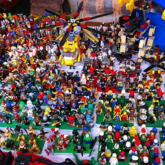 LEGO (super_chiarina) Tags: berlin vintage germany square toys deutschland lego squareformat markt germania mauerpark iphone flohmarkt berlino giocattoli märkte flohmärkte iphoneography instagram instagramapp uploaded:by=instagram foursquare:venue=4b813652f964a520a49a30e3