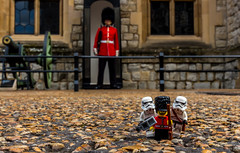 Selfie time (Ballou34) Tags: 2016 650d afol ballou34 canon eos eos650d flickr lego legographer legography minifigures photography rebelt4i stuckinplastic t4i toy toyphotography toys rebel stuck plastic star wars starwars stormtrooper stormtroopers london londres queen palace picture photo camera selfie guard royal jewels tower phone