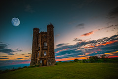 Broadway Tower (spiderstreaky) Tags: morning red walk beautiful nature season castle focus yellow countryside high sunup grass architecture folly walking tower planet fresh dawn d7100 sun moon green nikon cotswoldway sky landmark big sunshine building historic sunrise worcestershire cotswolds black broadway landscape golden summer exposure lightroom detail fields goldenhour footpath blue beacon top beauty dxo wildlife