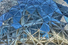 Amazon's Biospheres (zenseas) Tags: amazon amazoncom buildingamazonsbiospheres building construction biospheres biodome blue downtown seattle washington summer sunny dennytriangle blues star glass