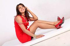 South Actress SANJJANAA Photos Set-7 (6)