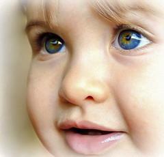 il mondo nei suoi occhi (ˇ Domitilla ˇ) Tags: red blur andy beautiful 50mm bokeh x bianco solex 18105 lightx retrox marex bluex colorx blackx vintagex macrox texturex whitex stonesx nikonx d7000 dofx sunx woodx nerox collinsx focalx pebblesx