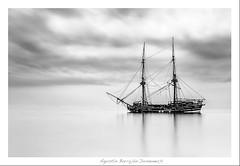 La Grace (Agustn Barrajn) Tags: bw barco bn encallado galen