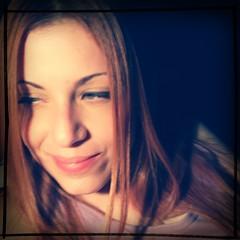 com saudades, mas de boa (deadoll) Tags: portrait woman selfportrait me beautiful ego myself eyes eyelashes retrato mulher eu olhos noflash greeneyes pocket dye clarissa clas cla selfie cílios clari cabelos dyehair toelho deadoll cabeloscoloridos clarissarossarola rossarola hipstamatic clarossarola tejaslens rtvfilm cladeadoll deadoll13 cutelittledead