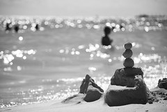 """Time never dies... (Mister Blur) Tags: sea blackandwhite bw sculpture en beach circle found la mar sand nikon waves time bokeh think culture silhouettes playadelcarmen blurred playa el arena escultura mayan desenfoque anastasia rivieramaya siluetas theendoftheworld quintanaroo desenfocado d60 borroso theendofanera completando blurredbackground mrblur completing elfindelmundo hallada timeneverdies elfindeunaera circulo rocoeno snapseed eltiemponuncamuere thecircleisnotround elcirculonoesredondo"