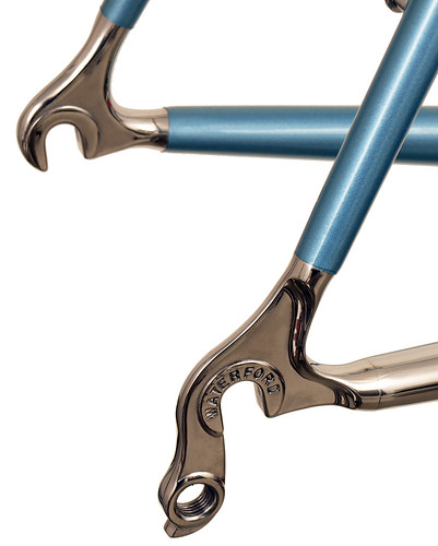 <p>Waterford stainless steel rear dropouts and stainless chainstay with English Blue paint.</p>